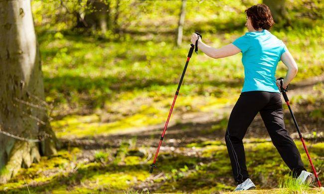Можливість схуднути - одна з переваг скандинавської ходьби