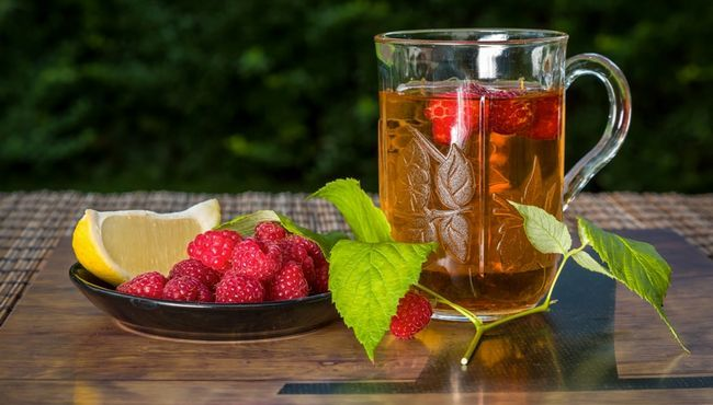Малиновий чай з липою