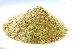 Спеція асафетида є жовті зерна різної величини, пов`язані між собою масою