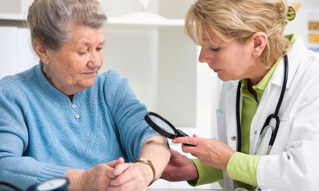 Дерматолог - фахівець з діагностики, профілактики та лікування хвороб шкіри, нігтів, волосся і слизової