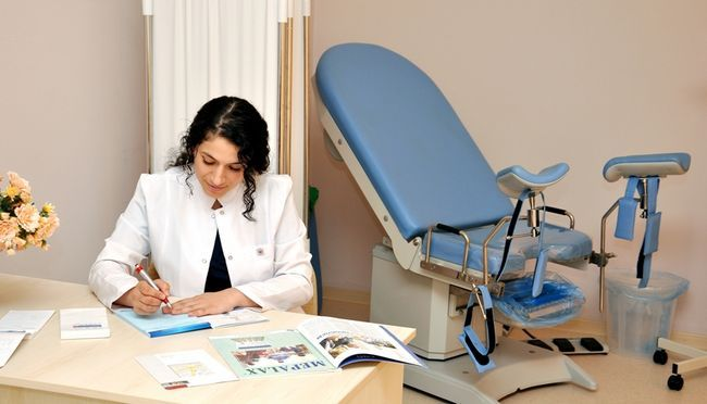 Гінеколог - фахівець, який займається діагностикою, лікуванням і профілактикою жіночих хвороб