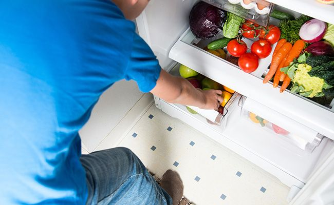 Подбайте про потрібних продуктах в холодильнику