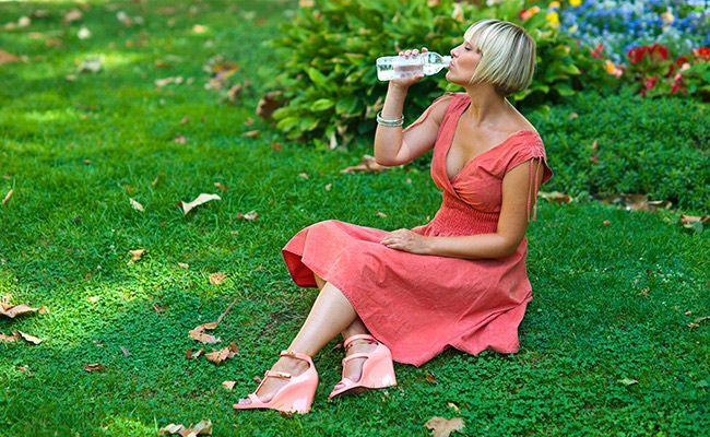 Пийте багато води та інших напоїв