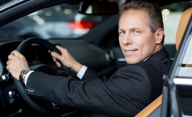 Як правильно сидіти в автомобілі