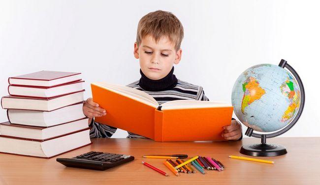 Організуйте робоче місце школяра