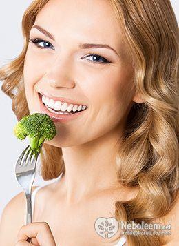 Калорійність брокколі дозволяє її використовувати для приготування корисних овочевих супів, тушкованих страв і омлетів