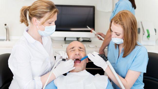 Як запобігти утворенню нальоту на зубах?