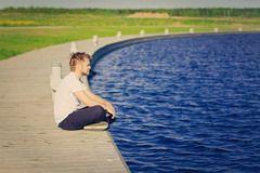 Головне лікування нервового тику - це зниження рівня стресу і тривожності