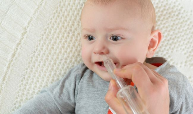 Чому малюк кусає груди: 6 причин складнощів при годуванні