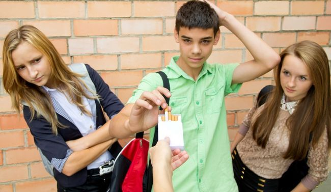 Підліткове куріння