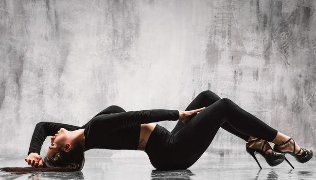 Стрип-денс - одне з наймодніших сучасних танцювальних напрямків серед жінок