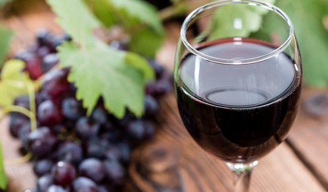 Червоне виноградне вино